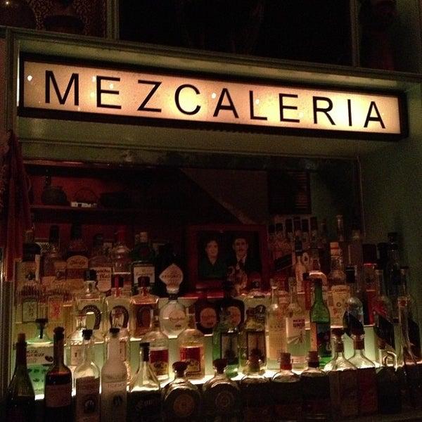 Foto tomada en Casa Mezcal por Elizabeth S. el 5/4/2013