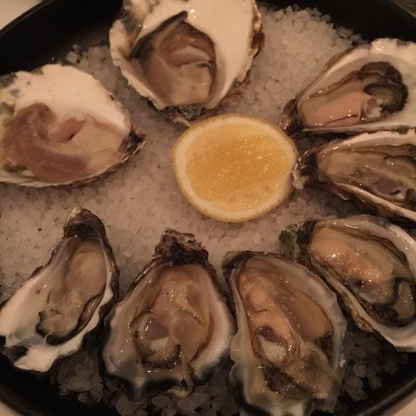 Foto scattata a Manta Restaurant da Johnson L. il 2/21/2015