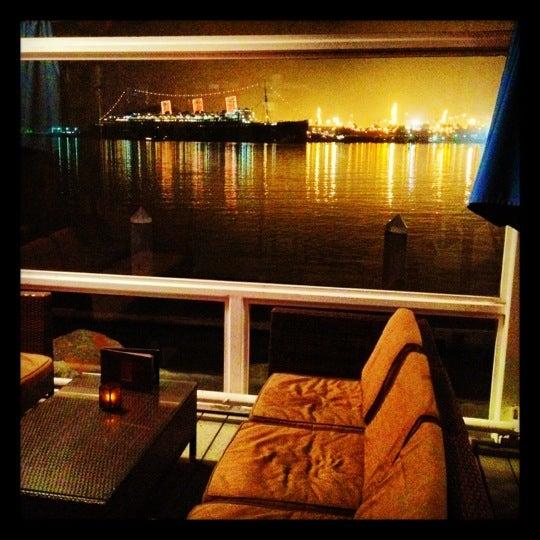 Снимок сделан в Parkers' Lighthouse пользователем Tony C. 12/9/2012