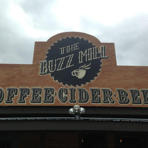 Das Foto wurde bei Buzzmill Coffee von AzyxA am 5/29/2013 aufgenommen