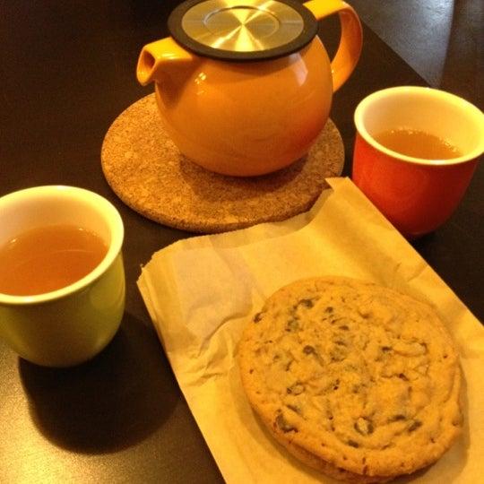 Foto tirada no(a) specialTEA Lounge & Cafe por Zehra F. em 11/10/2012