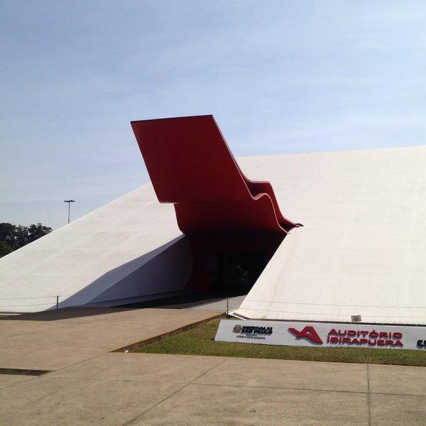 5/12/2013에 Eduardo B.님이 Auditório Ibirapuera Oscar Niemeyer에서 찍은 사진