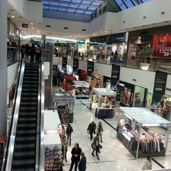 Foto tirada no(a) Punta Carretas Shopping por Hugo M. em 7/3/2013