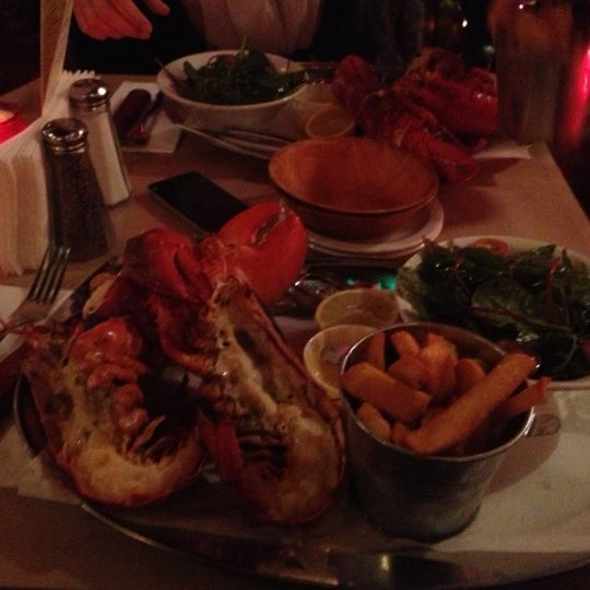 Foto scattata a Big Easy Bar.B.Q & Crabshack da Alla S. il 11/26/2012