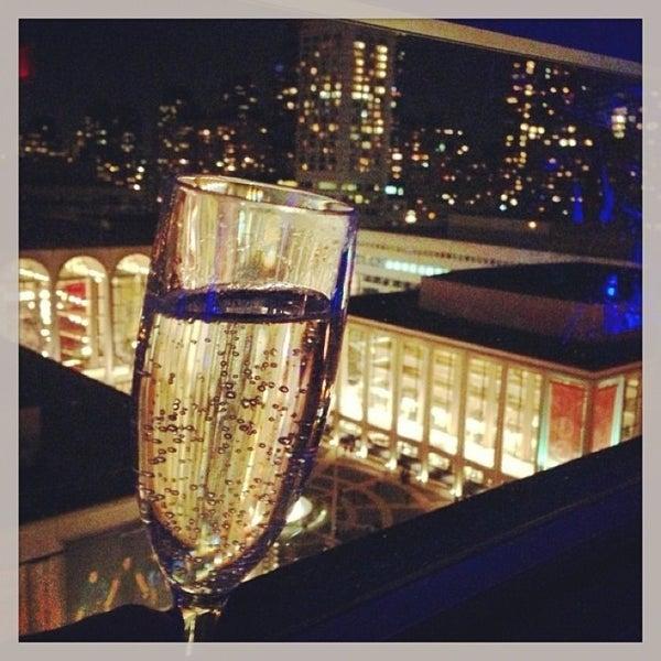 Снимок сделан в The Empire Hotel Rooftop пользователем Eric G. 4/7/2013