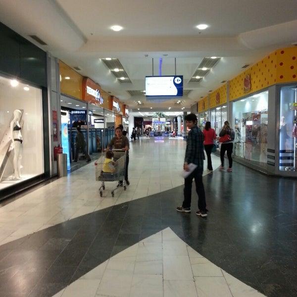 3/12/2013 tarihinde Oğuzhan Ş.ziyaretçi tarafından CarrefourSA Karşıyaka AVM'de çekilen fotoğraf