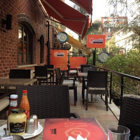 Foto scattata a Around The Corner Cafe da Samaa il 12/14/2012