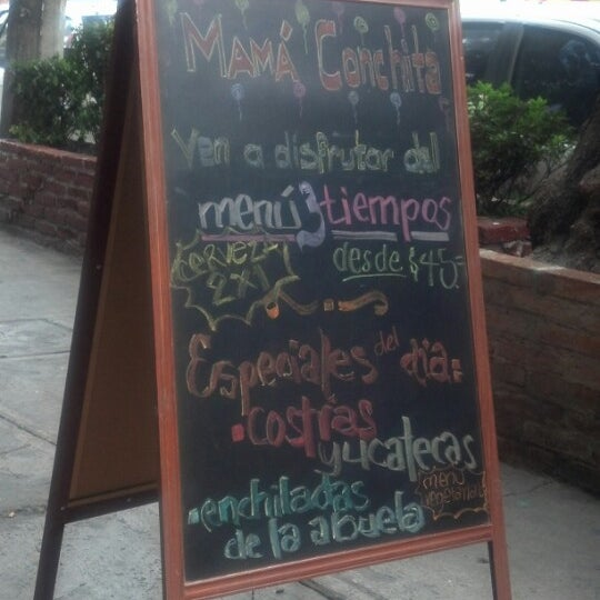Снимок сделан в Mamá Conchita пользователем Fernando B. 9/21/2012