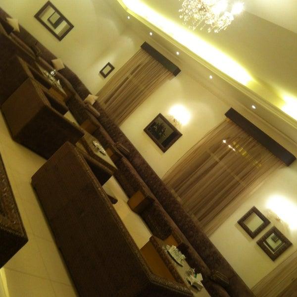 Foto scattata a Twina Park & Restaurant da Lujain il 2/7/2013