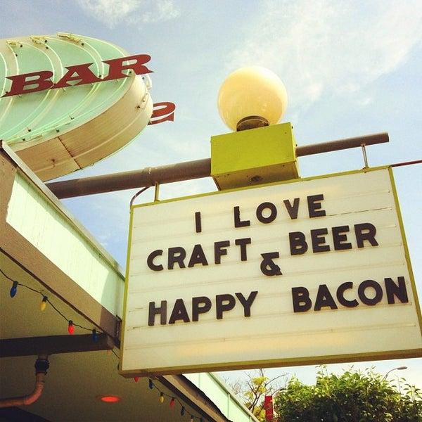 Foto scattata a Snack Bar da Brittany R. il 5/6/2012