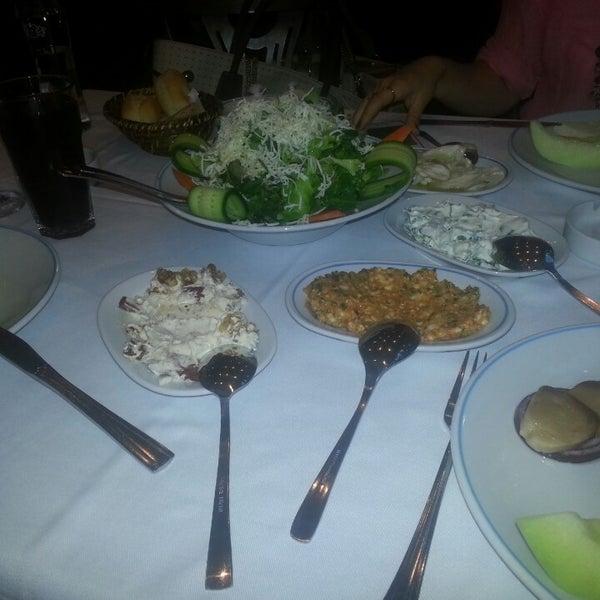 5/7/2013에 Merve T.님이 Cunda Balık Restaurant에서 찍은 사진