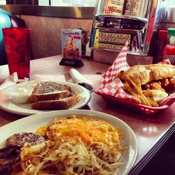 Foto tirada no(a) Rosie's Diner por Sadiqa em 3/4/2014