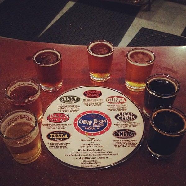5/11/2013 tarihinde Billyziyaretçi tarafından Oskar Blues Brewery'de çekilen fotoğraf
