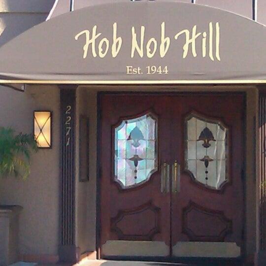 Foto tomada en Hob Nob Hill por Frank J. el 11/19/2012