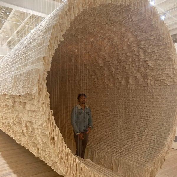 Foto scattata a White Rabbit Gallery da Auri il 6/6/2020