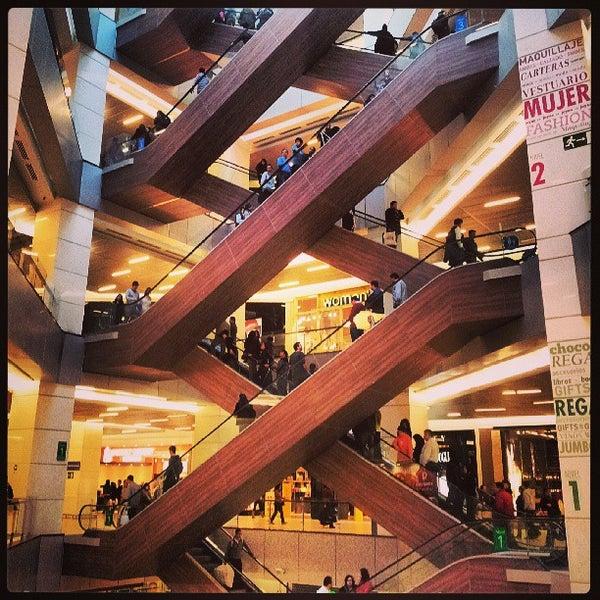 Foto scattata a Costanera Center da Pablo il 6/1/2013