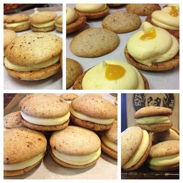 Foto scattata a Boxer Donut & Espresso Bar da David S. il 5/29/2013
