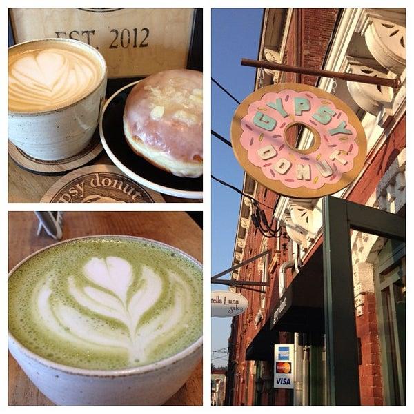 Foto scattata a Boxer Donut & Espresso Bar da David S. il 5/30/2013