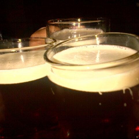 3/31/2013 tarihinde Ana Carolina C.ziyaretçi tarafından Kia Ora Pub'de çekilen fotoğraf