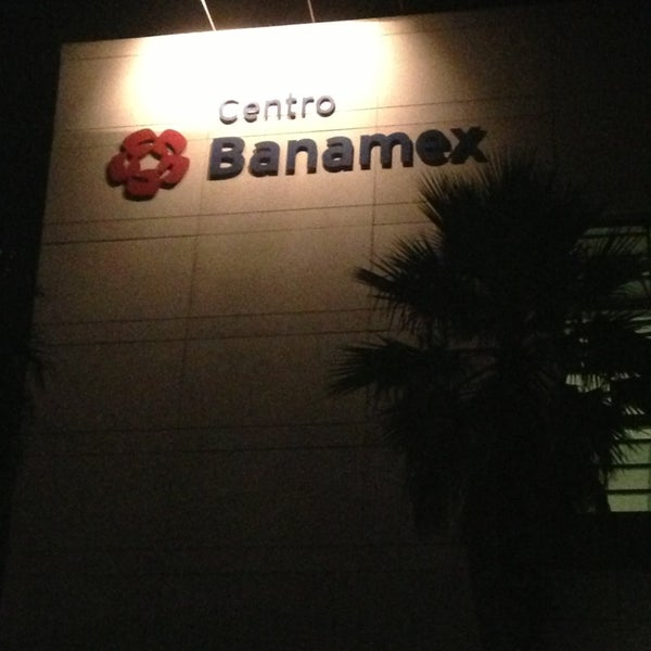 Foto tomada en Centro Banamex por Monze B. el 4/5/2013