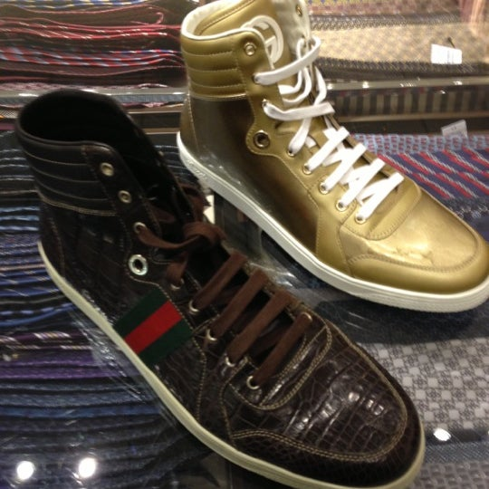 8e995533db3 Gucci Outlet - Women s Store