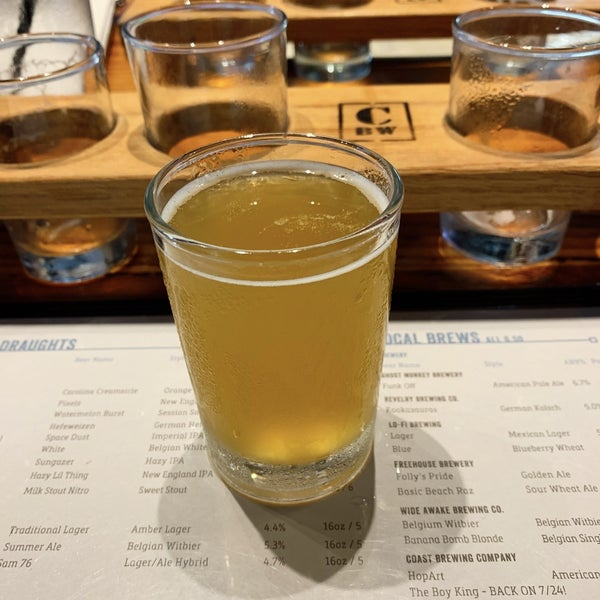 Foto scattata a Charleston Beer Works da Jessica il 7/19/2019