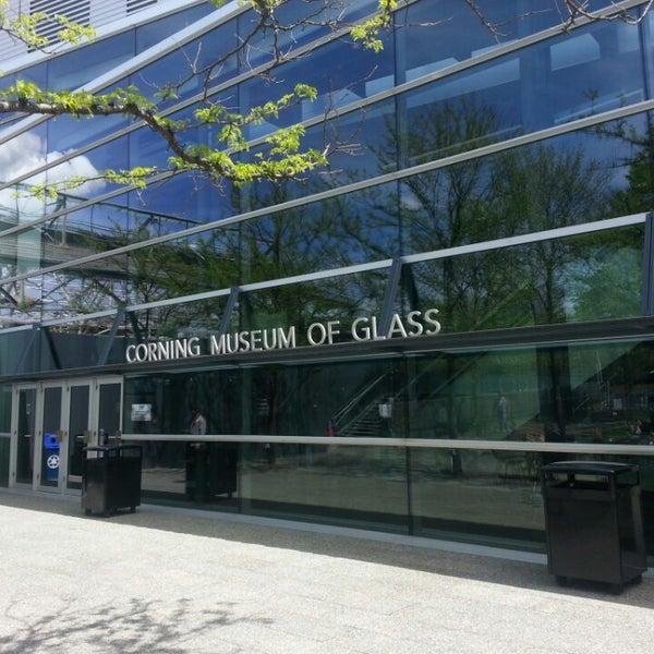 Photo prise au Corning Museum of Glass par Darrel D. le5/7/2013