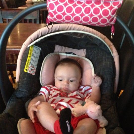 รูปภาพถ่ายที่ Cameron Bar & Grill โดย Kristin เมื่อ 10/27/2012