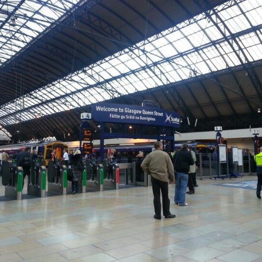 Glasgow Queen Street Railway Station (GLQ)