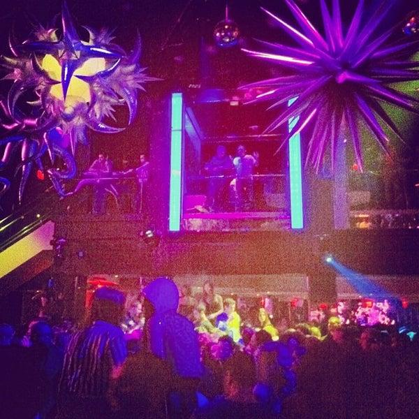 4/1/2013 tarihinde Josh R.ziyaretçi tarafından LIV Miami'de çekilen fotoğraf