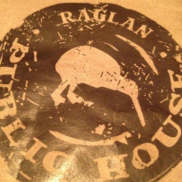 Das Foto wurde bei Raglan Public House von billy o. am 1/28/2013 aufgenommen