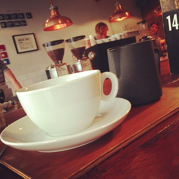Foto diambil di Brew Lab Coffee oleh Michael H. pada 7/30/2013