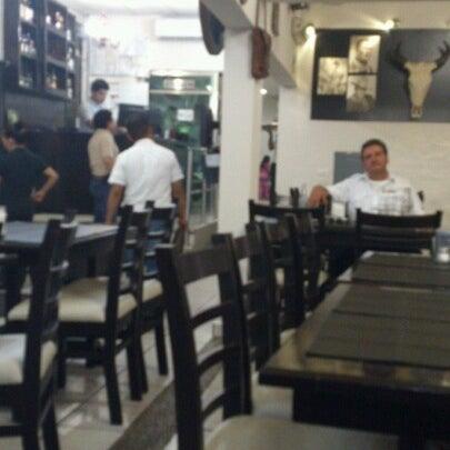Foto tomada en OV Vaquero Restaurante y Taquería por Jose Juan M. el 11/5/2012