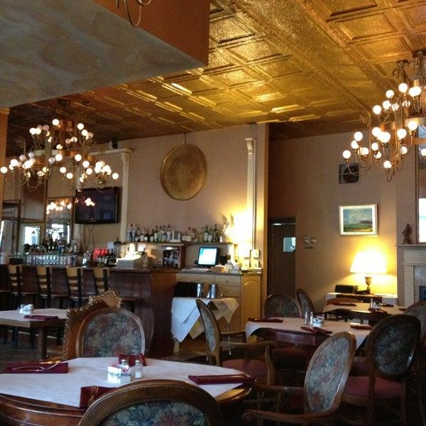 Das Foto wurde bei Sahara Restaurant von 🐶Sandy🐱 am 8/1/2013 aufgenommen