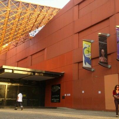 รูปภาพถ่ายที่ Universum, Museo de las Ciencias โดย Giselle V. เมื่อ 3/10/2013