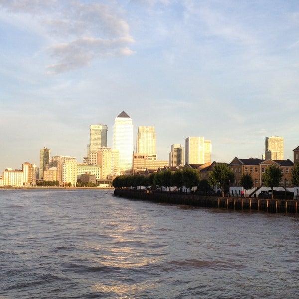 Foto scattata a Canary Wharf da Leo il 9/28/2013