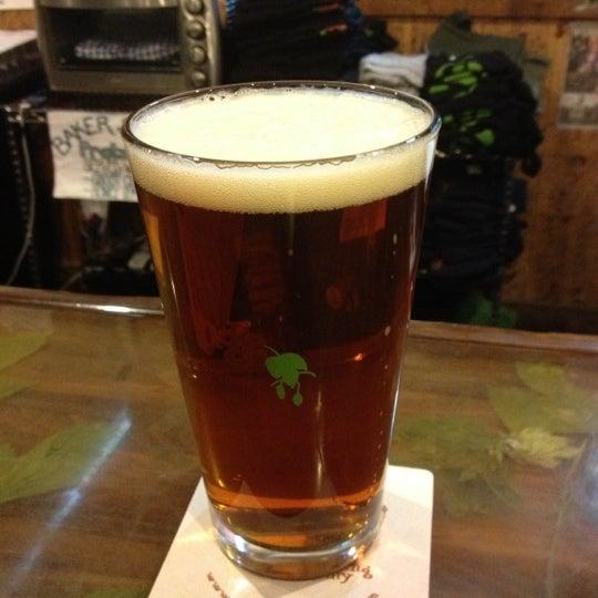 Das Foto wurde bei Strange Craft Beer Company von Mike B. am 10/24/2012 aufgenommen