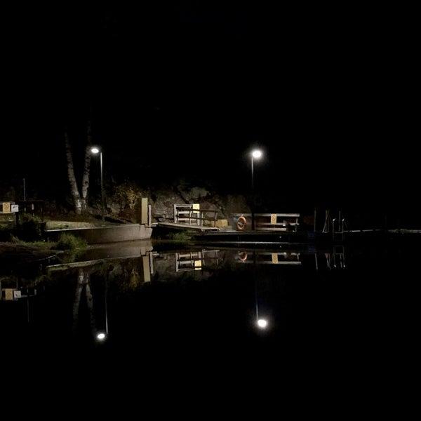 Das Foto wurde bei Pikkukosken uimaranta von Zhanna T. am 10/25/2018 aufgenommen
