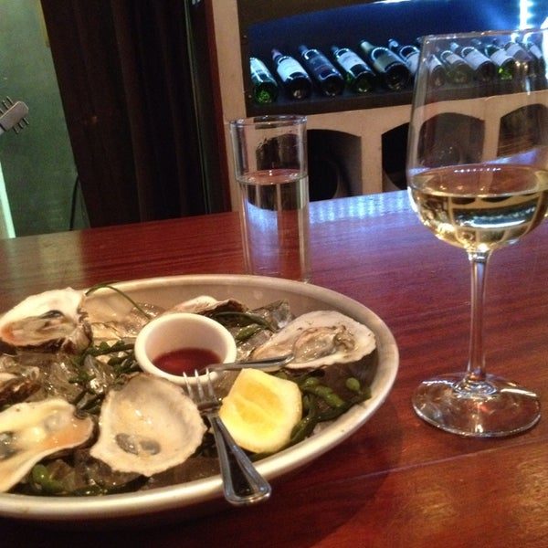 5/21/2014にHope C.がThe Tangled Vine Wine Bar & Kitchenで撮った写真