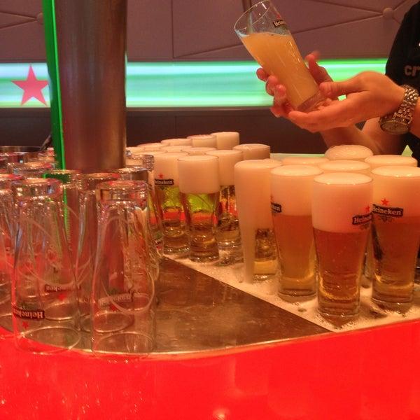5/7/2013 tarihinde Valeriaziyaretçi tarafından Heineken Experience'de çekilen fotoğraf