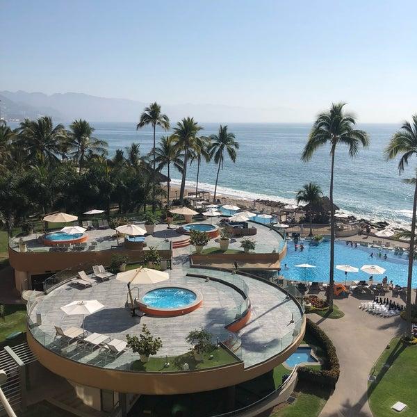 Foto tomada en Sunset Plaza Beach Resort & Spa por Lara M. el 3/7/2018