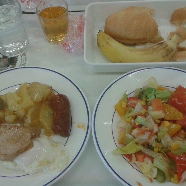 Comedor Universitario Fuentenueva - College Cafeteria in ...