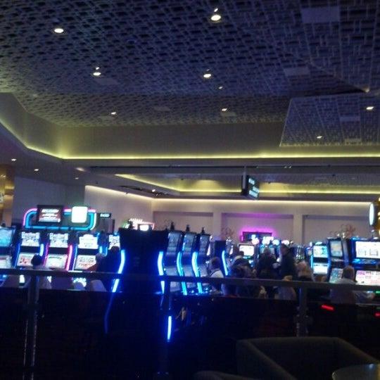 Photo prise au Eldorado Gaming Scioto Downs par Roxana S. le12/2/2012