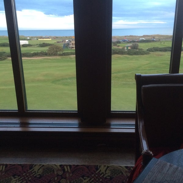 Foto tirada no(a) Old Course Hotel Golf Resort & Spa por Mariana F. em 10/10/2014