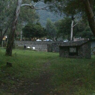 รูปภาพถ่ายที่ Campo Escuela Scout Meztitla โดย Brenda L. เมื่อ 9/30/2012