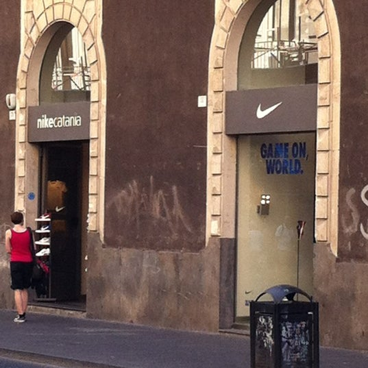 Catania Nike Store Centro Sicilia Catania OUUvHg