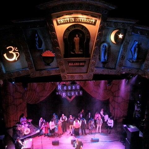 Foto diambil di House of Blues oleh Malika S. pada 10/14/2012