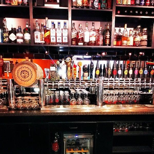 Das Foto wurde bei Black Bottle Brewery von Connor O. am 5/22/2013 aufgenommen