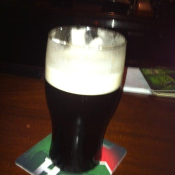 Foto scattata a McMullan's Irish Pub da Morgan F. il 6/24/2013