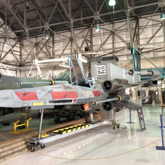 10/12/2012にFrancis K.がWings Over the Rockies Air & Space Museumで撮った写真